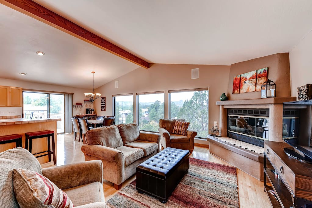 Plenty of comfortable seating for everyone in this stylish living room!