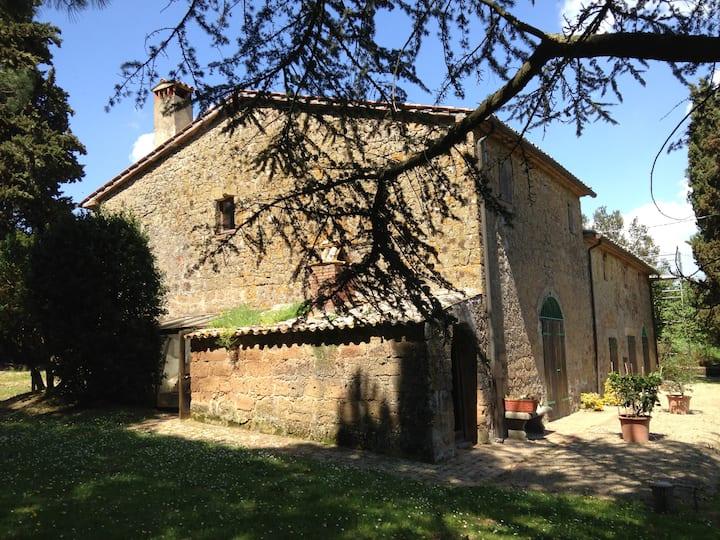 La Falconiera, old farm, 6 to 13 p