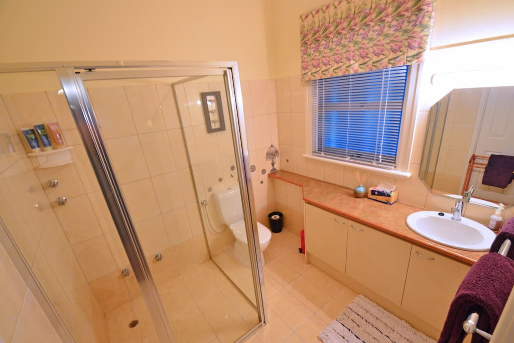 Naturaliste Suite Bathroom