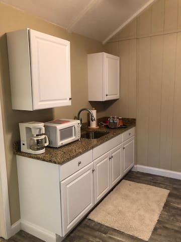 Kitchenette, microwave, coffee maker, mid-size refidgerator