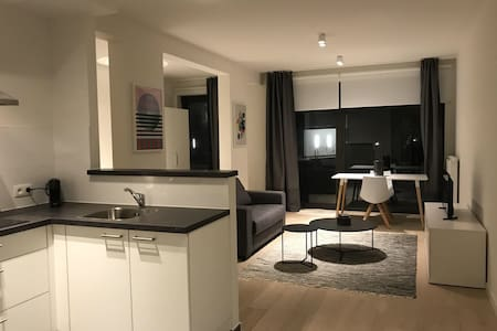 Studio dansaert 1km to grand place center BRUSSELS