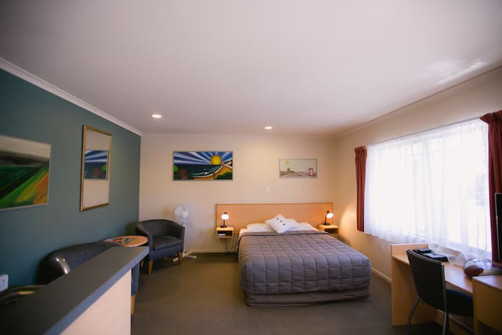 One Bedroom at Asure Kaimai View Motel