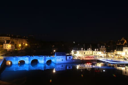La tranquilité avec vue sur le Pont de St Goustan - Auray - Lejlighed