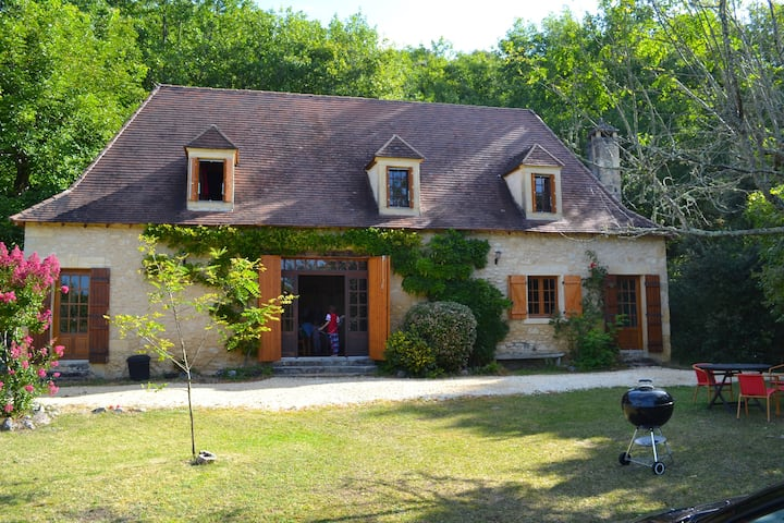Gite with pool in the heart of the Dordogne