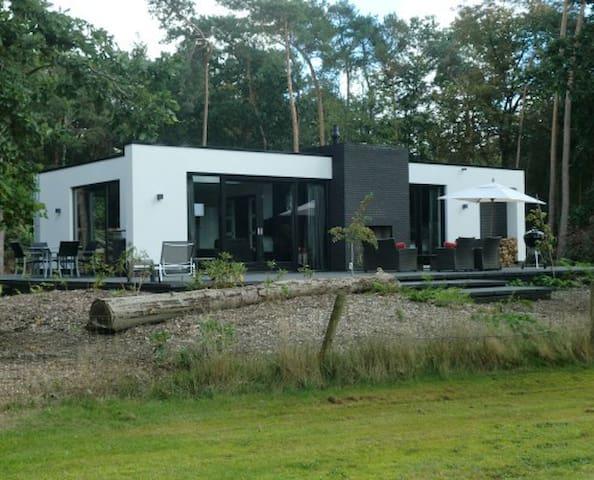 """Luxe Vakantievilla """"De Holteresch"""" - Holten - Villa"""