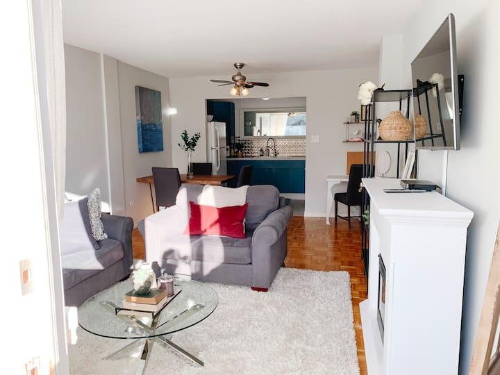 Cozy 1 bedroom condo with vintage vibes