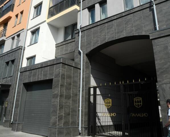 Новая уютная квартира на Васильевском острове.