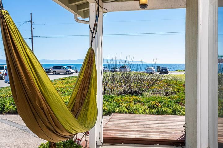 Full Ocean View Cottage!HotTub AquariumPassesBikes