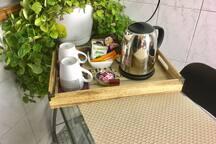Free coffee and teas for you on the Kitchen - Café y té a tu disposición