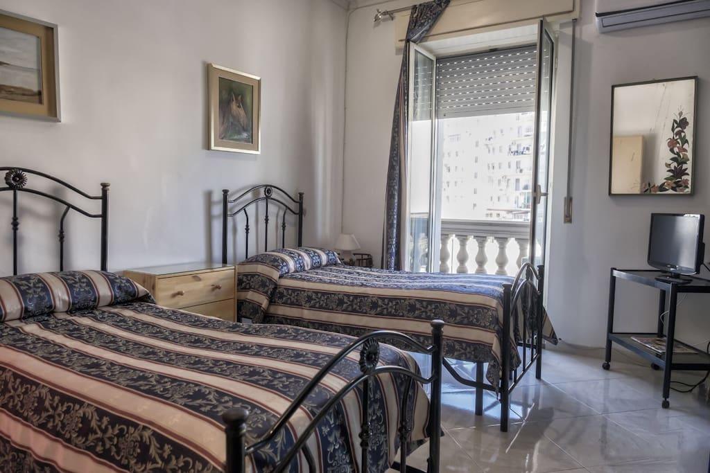 camera con due lettini
