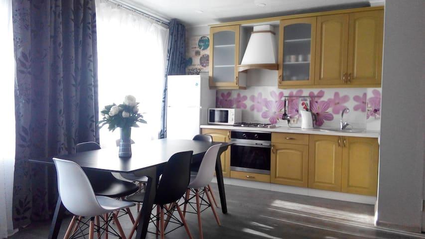 Pushkinskie Gory Comfort Apartment - Pushkinskiye Gory - Appartement