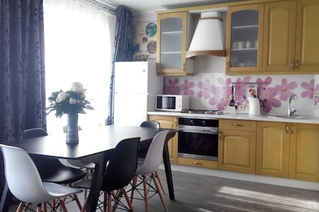 Pushkinskie Gory Comfort Apartment - Pushkinskiye Gory - Huoneisto
