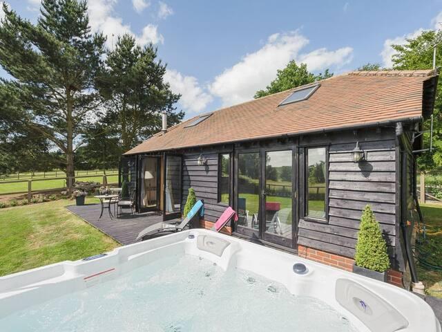 Toad Hall Cottage (UKC3457)
