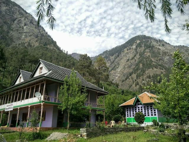 Katagla Forest Retreat - Kasol - Talo