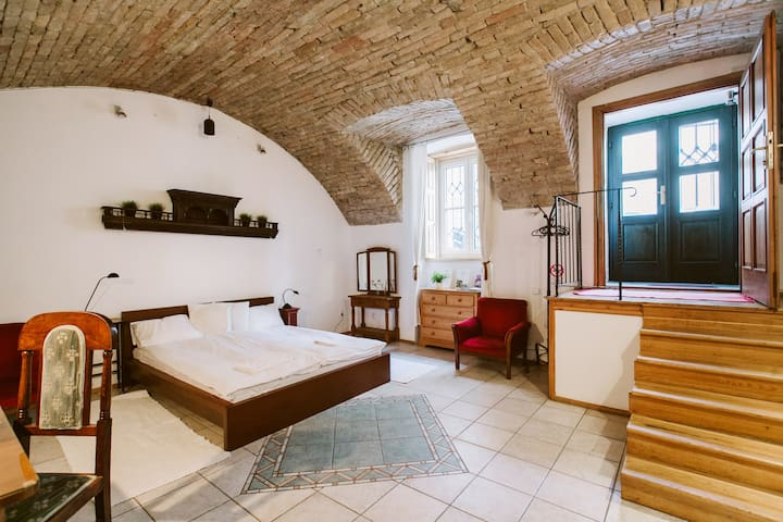 Your unique home by the Buda Castle - Boedapest - Appartement