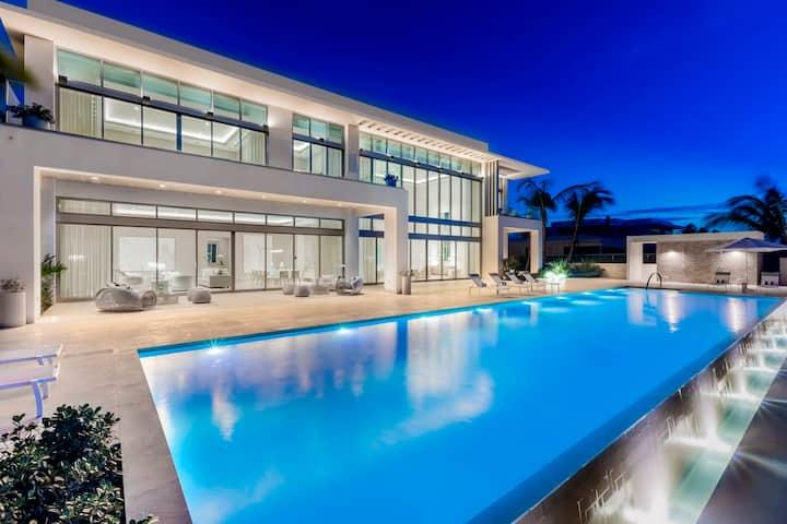Casa Estancias | Breathtaking beachfront 5 bedroom estate with salt water lap pool