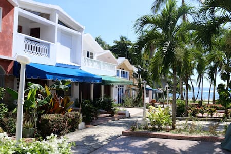 Beautiful Beach front Villa in Juan Dolio