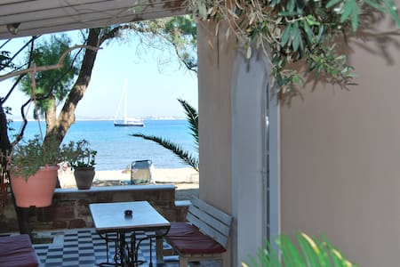 beach studio, direct on sandy beach - Chios