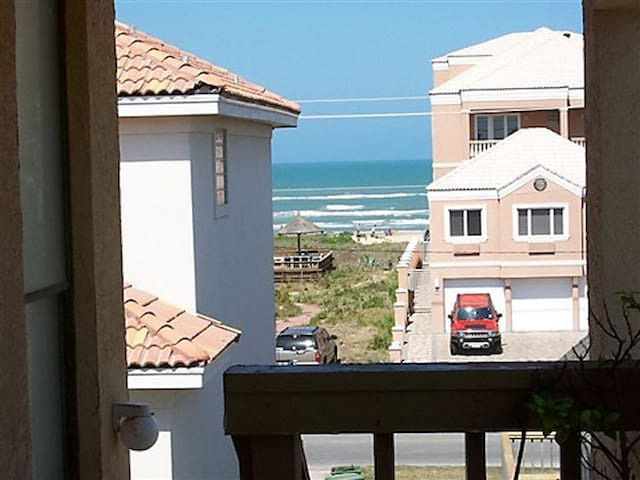 Beachview, Tropical Breezes, 1 Minute To The Beach - South Padre Island