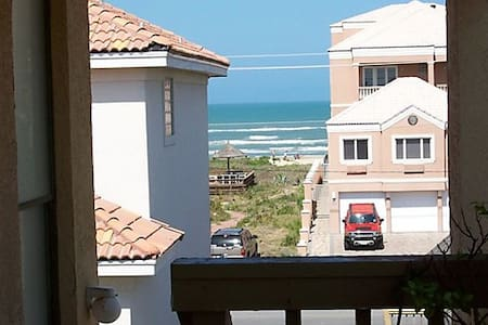 Beachview, Tropical Breezes, 1 Minute To The Beach - South Padre Island - Appartement