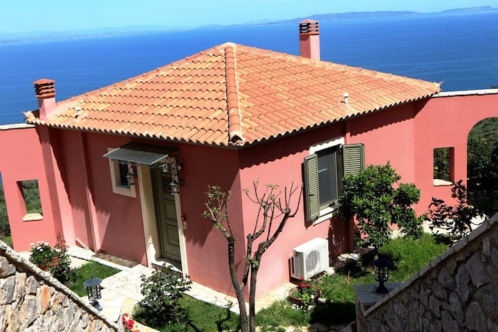 Villa Maleas with private garden - Dio Guesthouses