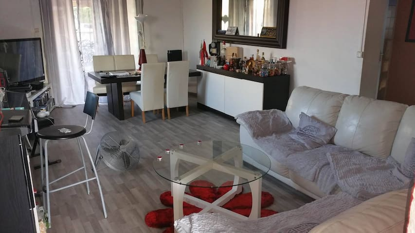 chambre triple (location de voiture possible) - Le Lamentin - Casa