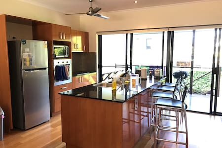 Stunning Townhouse in Whitsundays - Cannonvale - Rivitalo
