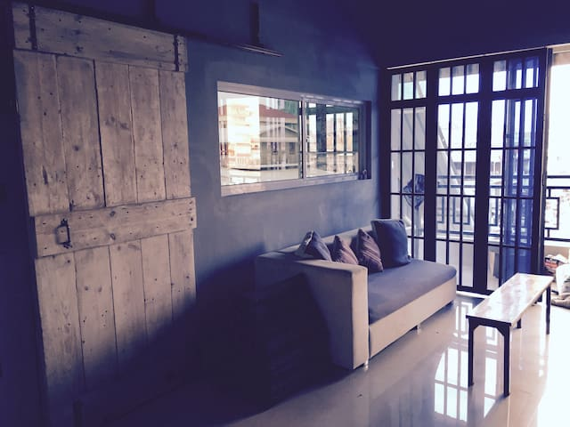 NEW! Khmer Pop artist loft - Phnom Penh - Apartment