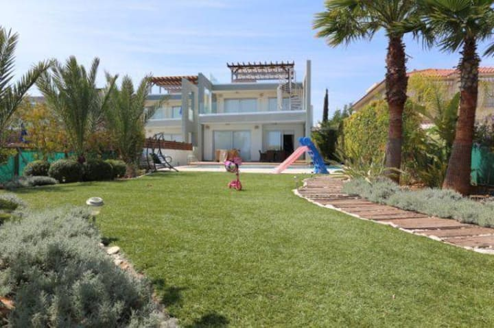 Seafront luxury home for rent at Pervolia, Cyprus