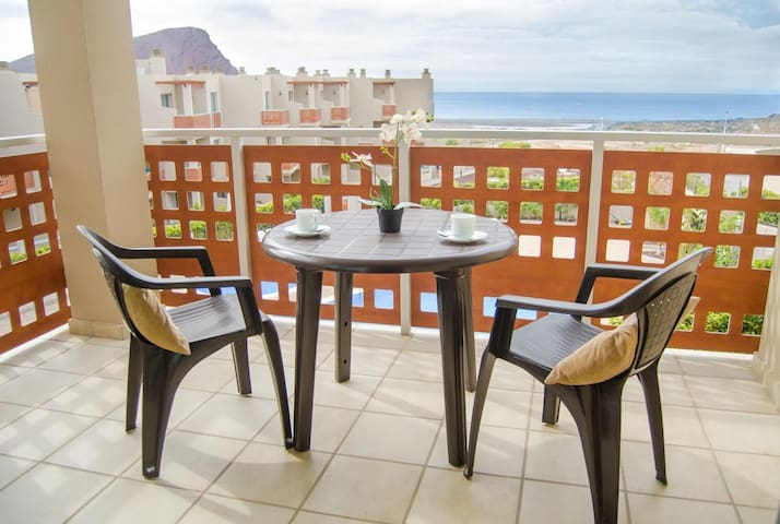 TEJITA BEACH,Seaview, 1 Bedroom , E