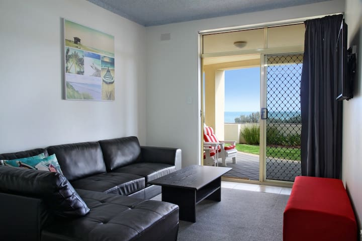 """Horizon"" Seaview Sunset Apartment - West Beach - Wohnung"