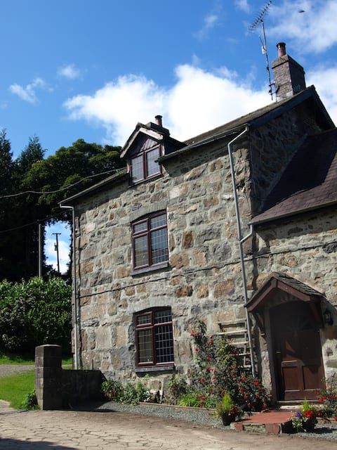 Rhiwlas Farm Cottage,Lake Vyrnwy,Mid Wales s/c acc