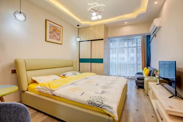 丽江古城边现代简约风格温馨大床房电梯公寓212