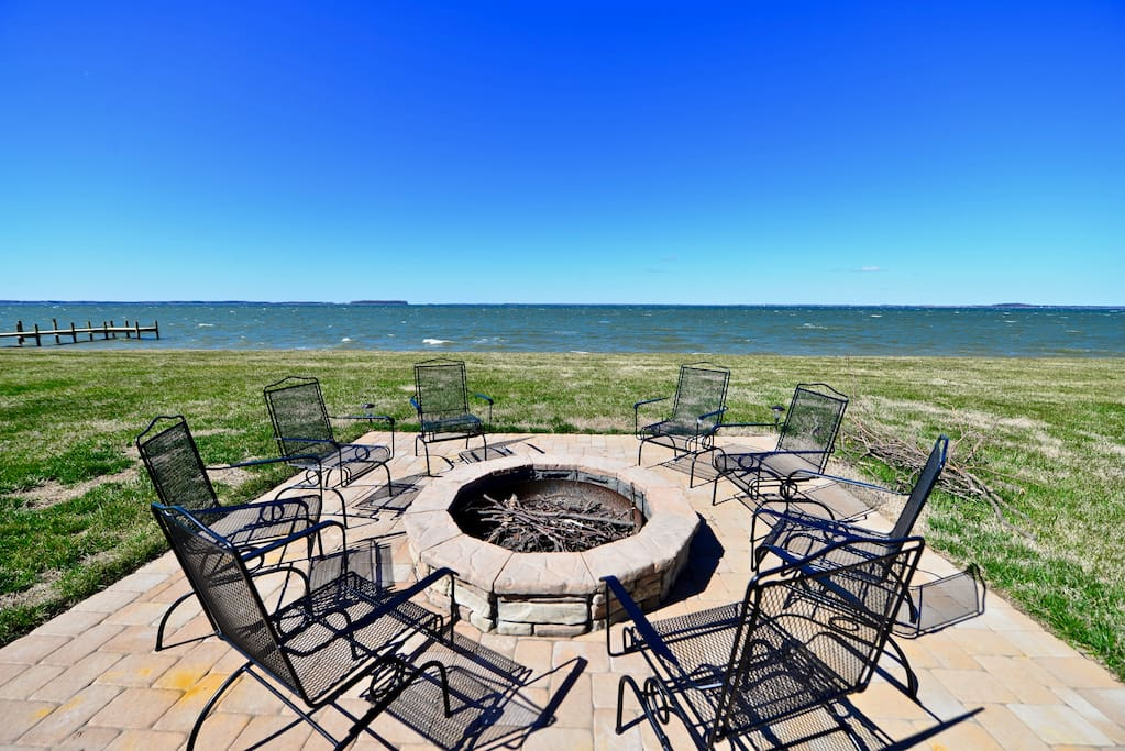 Large fire pit facing the Chesapeake!
