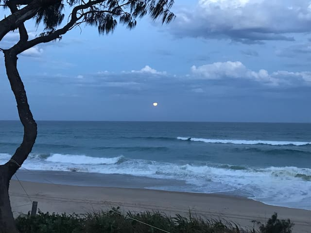 Nothing beats watching the moon rise up over the ocean.