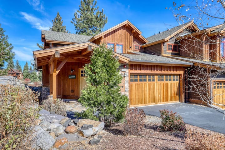 Beautiful, dog-friendly mountain home w/ views, nearby resorts, & a lake!