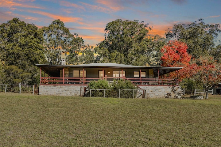Wollombi Country House with Plunge Pool