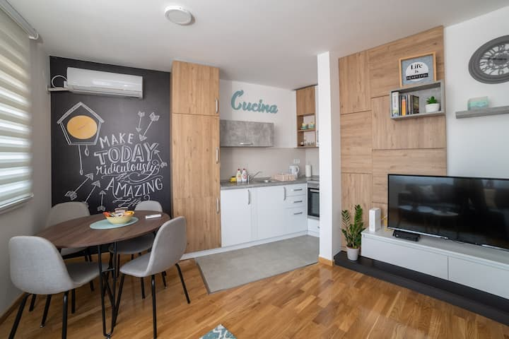 MAJESTIC M, centrally located + free PARKING