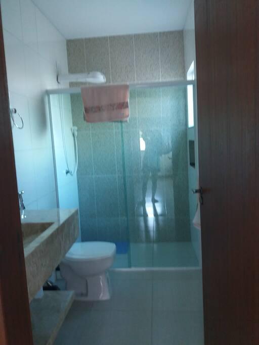 banheiro da suite de baixo