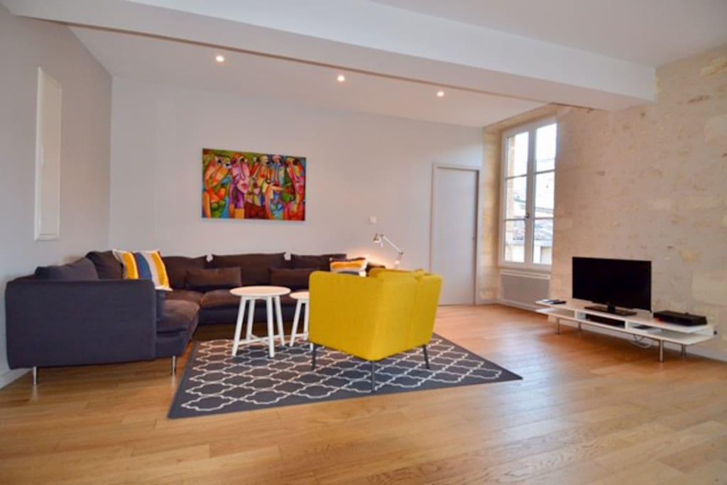 spacieux t3 au coeur du centre historique appartements louer bordeaux nouvelle aquitaine. Black Bedroom Furniture Sets. Home Design Ideas