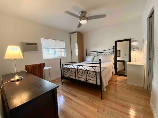 NEW-PRIVATE*GUESTHOUSE 🏠1BED+SOFABED*BEACH🏖LAX✈️LMU