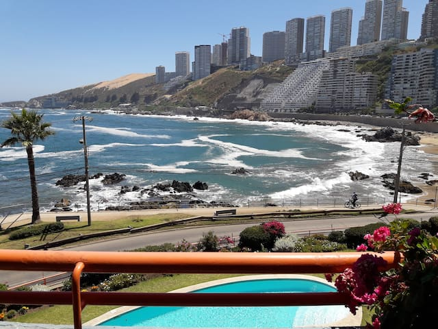 Lindo Departamento Primera Linea en Playa cochoa