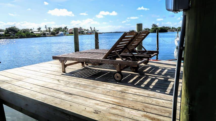 River Front Luxury Getaway!!!