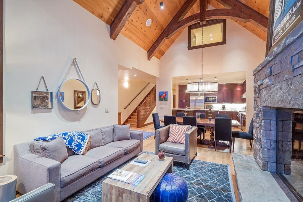 Courcheval B - Massive vaulted ceilings with designer furnishings