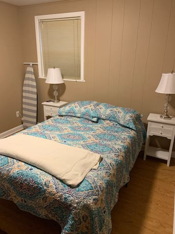 Quiet Private Bed + Bathroom Near Redstone Arsenal