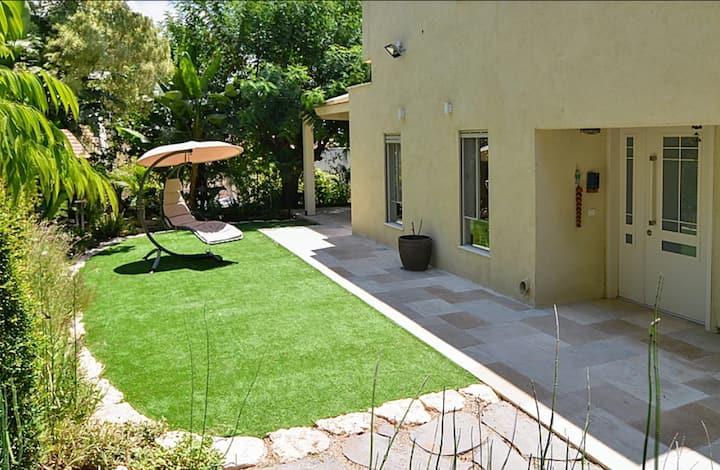 Private house & garden in quiet village!