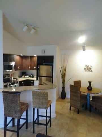 Modern Apartment near Pompano -Boca Raton-Deerfiel