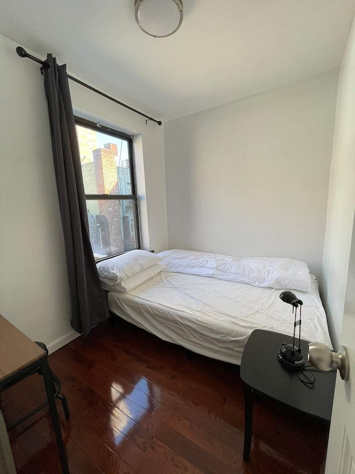 Private Full Bed in Chinatown NYC
