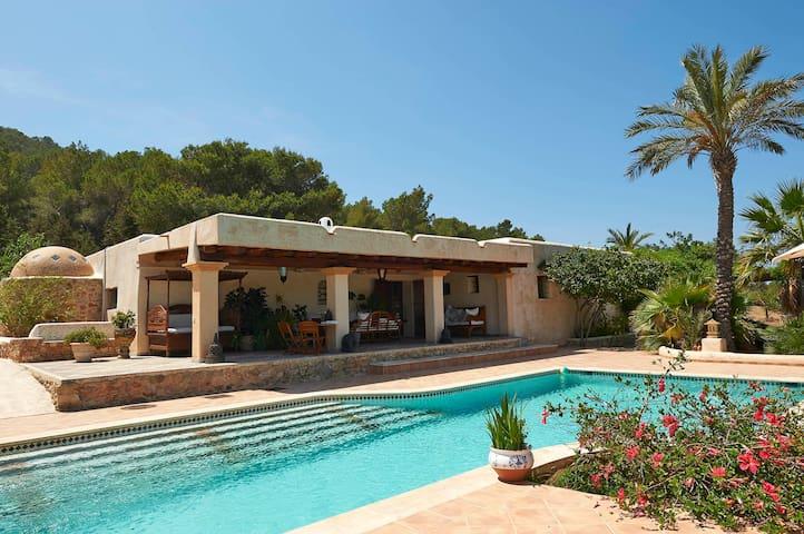 villa sal rosa reserva natural de salinas Ibiza - Sant Josep de sa Talaia - House
