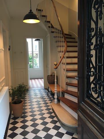 """""""Belle époque"""" house very near Paris - Bourg-la-Reine - Ev"""